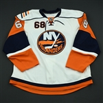 Hennigar, Robert<br>White Set 1 - Training Camp Only<br>New York Islanders 2008-09<br>#68 Size: 56