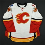 Peters, Warren<br>White Set 1 - Preseason Only (RBK 1.0)<br>Calgary Flames 2007-08<br>#63 Size: 58
