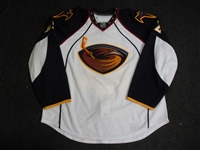 Klee, Ken<br>White Set 1 - Game-Issued (GI)<br>Atlanta Thrashers 2008-09<br>#22 Size: 58