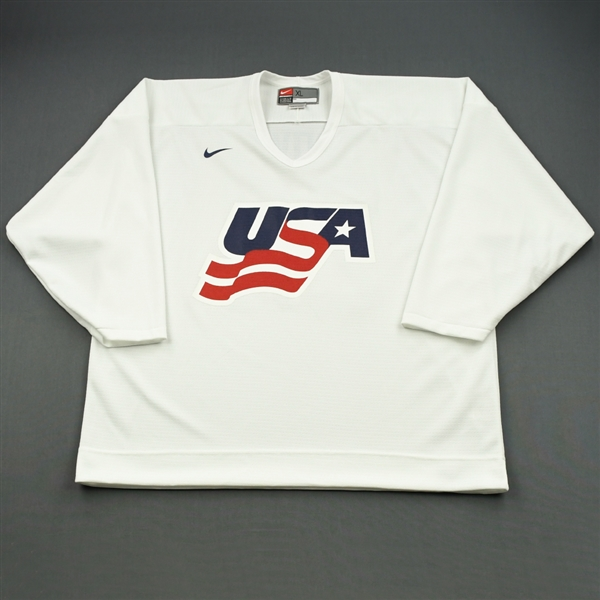 Brown, Dustin * <br>White, U.S. Olympic Mens Orientation Camp Issued Jersey, Signed<br>USA 2009<br>#23 Size: XL
