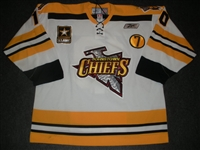 Robinson, Matt<br>White Set 1 w/7 Patch<br>Johnstown Chiefs 2008-09<br>#10 Size: 56
