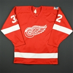Eakin, Bruce<br>Red w/Red Wings 60th Season<br>Detroit Red Wings 1985-86<br>