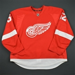 Ericsson, Jonathan * <br>Red Set 1  - Photo-Matched<br>Detroit Red Wings 2015-16<br>#52 Size: 58