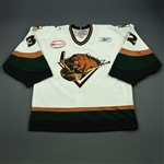 Engelage, Andrew<br>White Set 1 w/ Inaugural Season at Maverik Center Patch<br>Utah Grizzlies 2010-11<br>#32 Size: 58G
