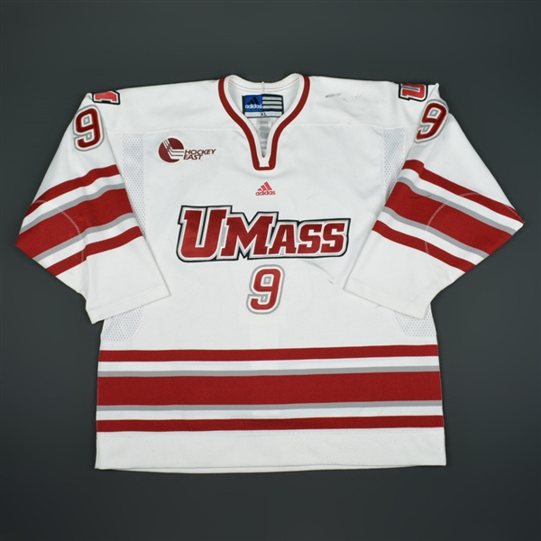 Saunders, Shawn *<br>White<br>University of Massachusetts 2009-10<br>#9 Size:XL
