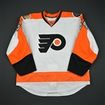 Carey, Greg<br>White Set 1 w/ 50th Anniversary & Ed Snider Patches - Preseason Only<br>Philadelphia Flyers 2016-17<br>#54 Size: 56