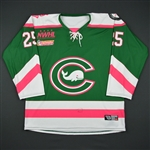 Baribeau, Juana<br>Green- Strides For The Cure<br>Connecticut Whale 2016-17<br>#25 Size: MD