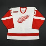 Larionov, Igor *<br>White Set 2 w/ NHL 2000 Patch<br>Detroit Red Wings 1999-00<br>#8 Size: 54