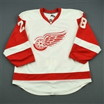 Rafalski, Brian *<br>White Set 1 - Photo-Matched<br>Detroit Red Wings 2008-09<br>#28 Size: 54