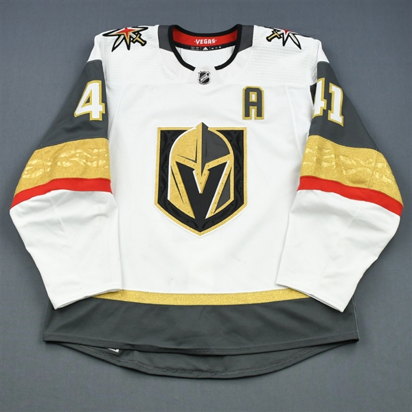 Bellemare, Pierre-Edouard <br>White Set 2 w/A<br>Vegas Golden Knights 2018-19<br>#41 Size: 54