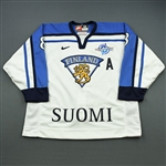 Selanne, Teemu *<br>White - World Cup of Hockey - Photo-Matched to Final vs. Canada<br>Team Finland 2004<br>#8 Size: 56