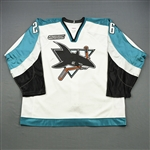 Lowry, Dave *<br>White w/ NHL2000 patch<br>San Jose Sharks 1999-00<br>#26 Size: 56
