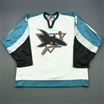 Zyuzin, Andrei *<br>White<br>San Jose Sharks 1998-99<br>#4 Size: 56