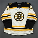 Berglund, Victor<br>White Set 1 - Game-Issued (GI)<br>Boston Bruins 2018-19<br>#64 Size: 56