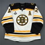 Backes, David *<br>White Stanley Cup Final Set 2 w/A - Game-Issued (GI)<br>Boston Bruins 2018-19<br>#42 Size: 56