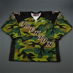 Havern, Ned *<br>Camouflage - Salute to the Military Night<br>Trenton Titans 2005-06<br>#27 Size: 56