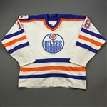 Buchberger, Kelly *<br>White w/Oilers 88-89 10th Anniversary Patch<br>Edmonton Oilers 1988-89<br>#16 Size: L