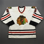 Housley, Phil*<br>White - Set 2<br>Chicago Blackhawks 2002-03<br>#6 Size: 54