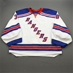 Lundqvist, Henrik *<br>White - Photo LOA Included<br>New York Rangers 2012-13<br>#40 Size: 58G