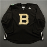 adidas<br>Brown - Winter Classic Practice Jersey - Game-Issued (GI)<br>Boston Bruins 2018-19<br> Size: 60